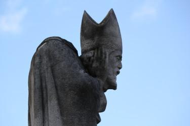 Pope Imbroglio The-statue-of-saint-denis-square-suzanne-buisson